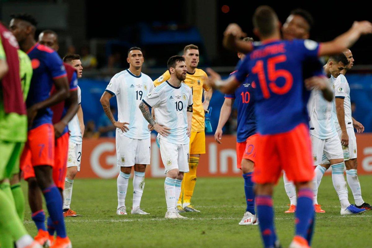 КА. Аргентина - Колумбия 0:2. Когда у сборной нет тренера, и Месси не поможет - изображение 1