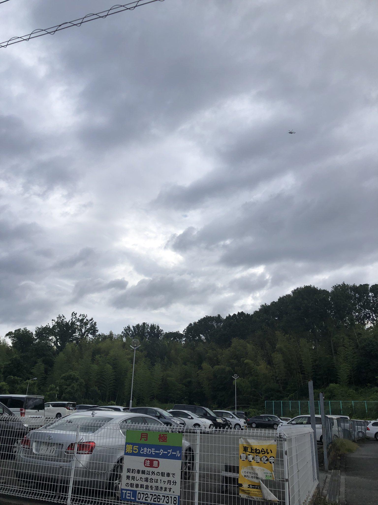 画像,空にはヘリ、パトカー巡回🚔物々しい https://t.co/pKlFvyg5Hh。