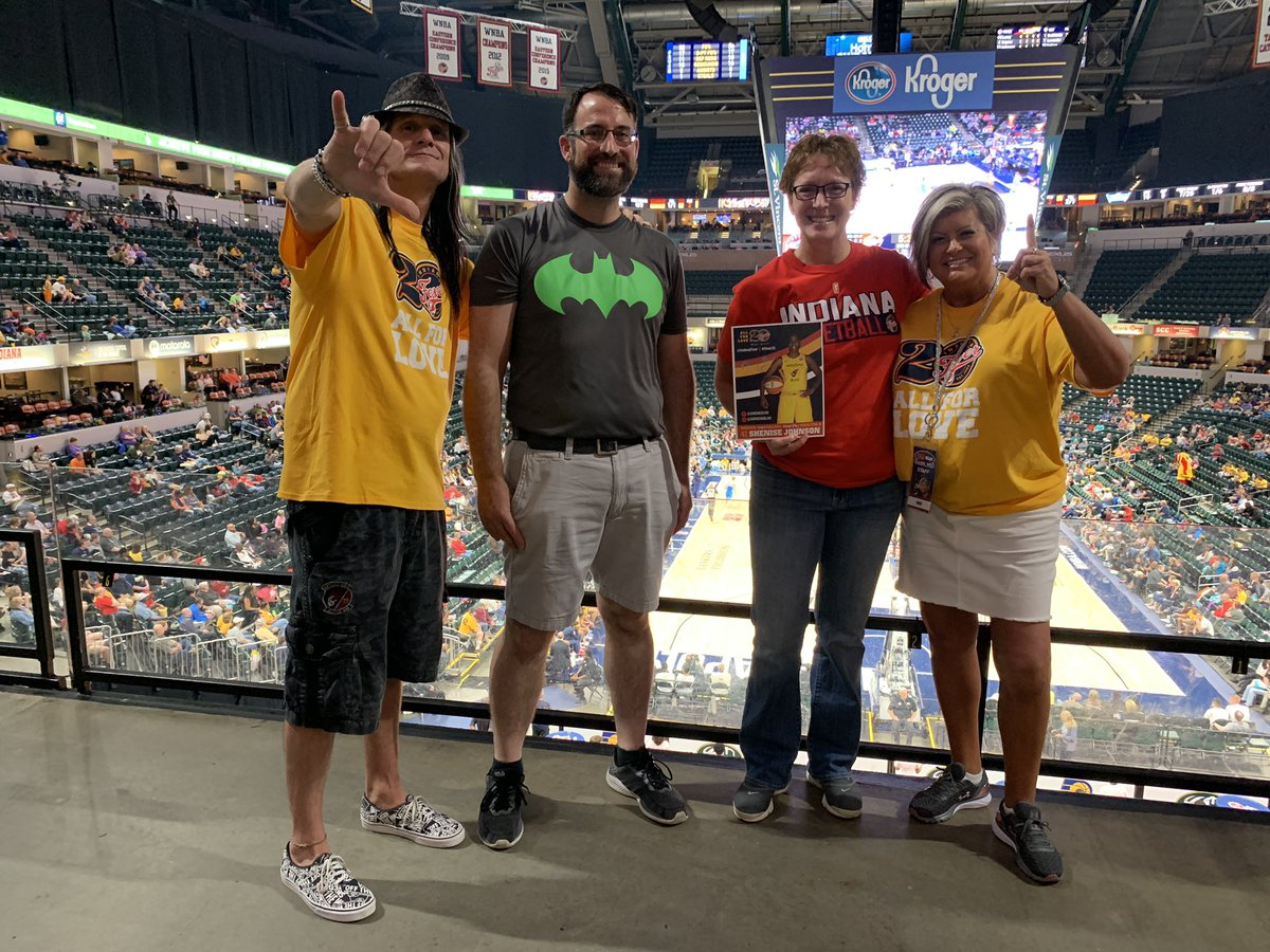 Congrats to our contestants tonight at the @IndianaFever game! Thanks for rocking out with us, Kevin, Pam, and Becky! @TheFieldhouse @WJJK1045 #indianafever