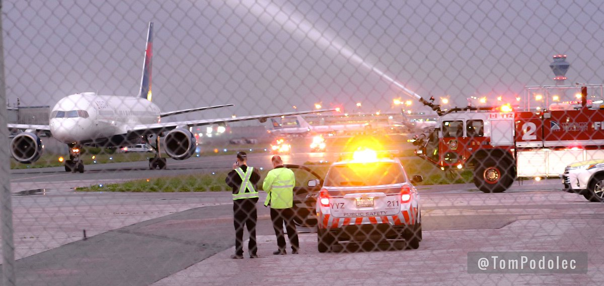 PHOTO Toronto Raptors #NBA Champions greeted by Toronto Pearson Fire water cannon salute as their plane arrived in Toronto. Some of the players remained in Las Vegas. #WeTheNorth