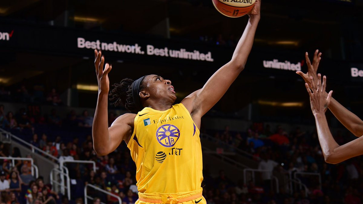 Halftime in LA: @LA_Sparks 50 - @nyliberty 48   The Ogwumike sisters @Nnemkadi30 and @Chiney321 lead the Sparks with 14 and 10 PTS respectively.   New York's @AmandaZahuiB has 24 PTS and 4 REB heading into the second half. #WNBA