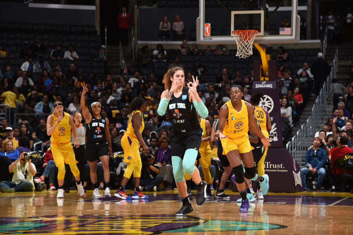 It's a TIE game heading into the 4th at the Staples Center.   @AmandaZahuiB is having a game at 31 PTS. #WNBA
