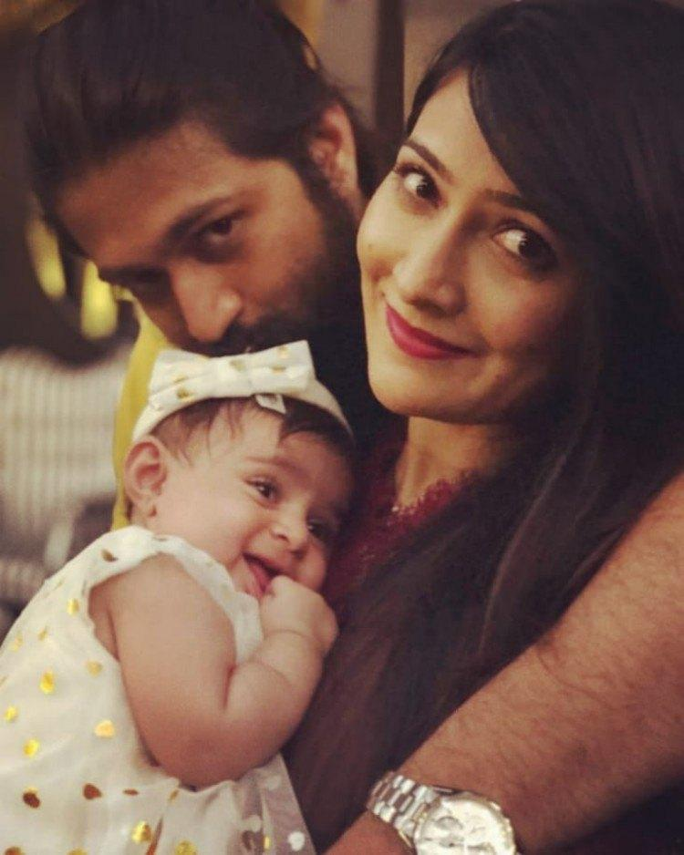 Pics of Rocking Star #Yash' family!!!  @TheNameIsYash @RadhikaPandit7 #RadhikaPandit #KGF #KGFChapter1 #KGFChapter2 #KGF2