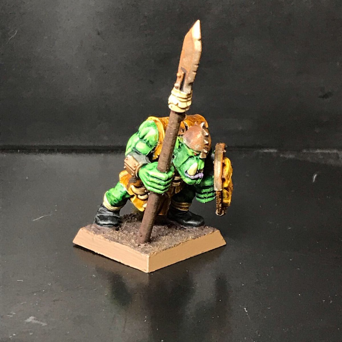 With the addition of contrast to my arsenal, my old orc and high elf armies may actually get the love they deserve. #orc #warhammer #wargaming #warmongers #painting #gamesworkshop #warhammerfantasybattles #miniatures #miniaturewargaming #paintingminiatures https://t.co/Uv3CviTm1p