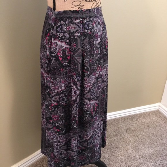 So good I had to share! Check out all the items I'm loving on @Poshmarkapp from @starchaser49 #poshmark #fashion #style #shopmycloset #dressbarn #vintage: https://t.co/l5CRkSXu8k https://t.co/FUvksPLaLs