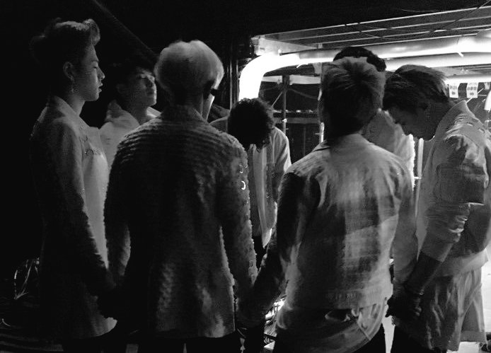 Hope, wish and pray that all of us can have the strength to get through this together. For our boys to be always healthy and safe. For our 7 boys to be together again #JUS7FORiKON<br>http://pic.twitter.com/XB4RVhxAkv