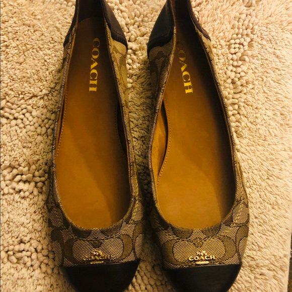 So good I had to share! Check out all the items I'm loving on @Poshmarkapp #poshmark #fashion #style #shopmycloset #coach #dressbarn #ericksonbeamon: https://t.co/u2iEdKSOp9 https://t.co/KtI3UjSEEx