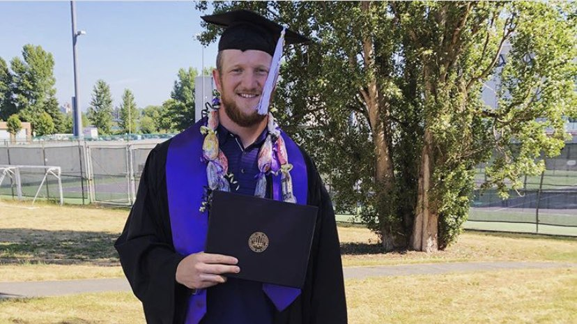 College educated, he graduated. 🎉  Congrats, @Will_Diss!! https://t.co/hrQJ4w1afm