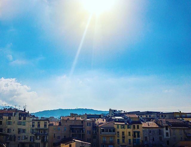 Balcony view from Nice, France • • • #balconyviews #viewforview #sunny #sunnysummer #sundayfunday #nicefrance #frenchriviera #blueskys #traveltheworld #seetheworld #letsgosomewhere #traveldiary #travellove #globetrotter #instatravel #collectmemoriesn… http://bit.ly/2WFjtaE