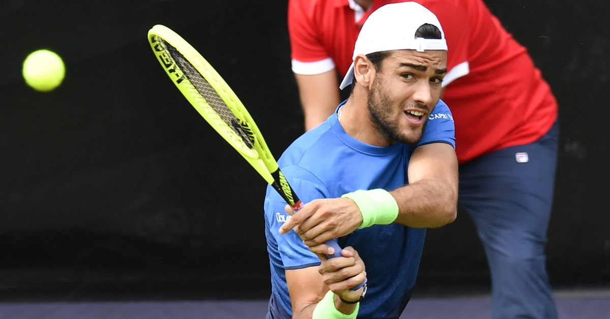 One set away from a third #ATPTour   Matteo Berrettini takes the opener 6-4 over Auger-Aliassime at the #MercedesCup <br>http://pic.twitter.com/gH3HgjyB6p