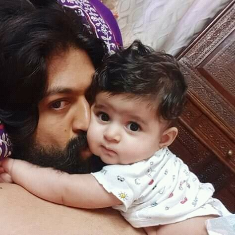 #KGF #Yash Boss With His angel😘 @TheNameIsYash #HappyFathersDay2019