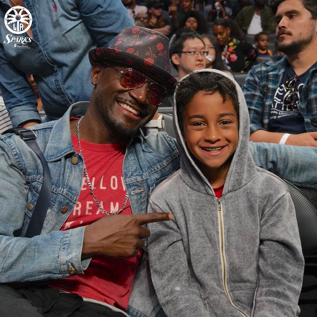 .@TayeDiggs and @MsVivicaFox showed some love at the @nyliberty - @LA_Sparks game Saturday night 🙌❤️ (📸: @LA_Sparks)