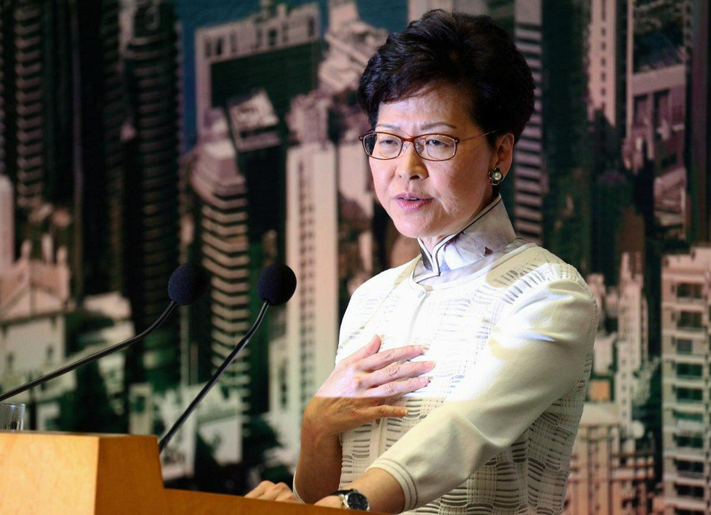 Hong Kong leader apologizes to public after massive protests over extradition bill https://reut.rs/2N0Kea6
