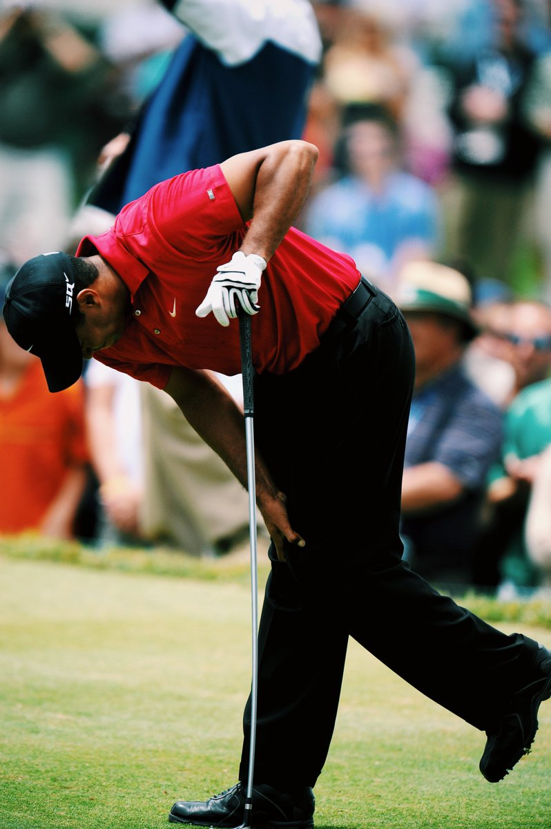 On this day in 2008, Tiger Woods won the U.S. Open with a broken leg and a torn ACL.  Still unreal 🐅