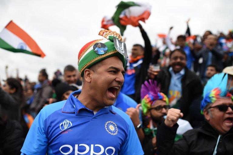 آپ کے خیال میں انڈین ٹیم آج کتنا سکور بنا پائے گی؟؟؟ 🇵🇰🏏🇮🇳  #PAKvsIND #INDvsPAK #CWC19 #PakistanVsIndia #IndiaVsPakistan #WeHaveWeWill  بی بی سی اردو کا لائیو پیج: https://bbc.in/2XiWlmK