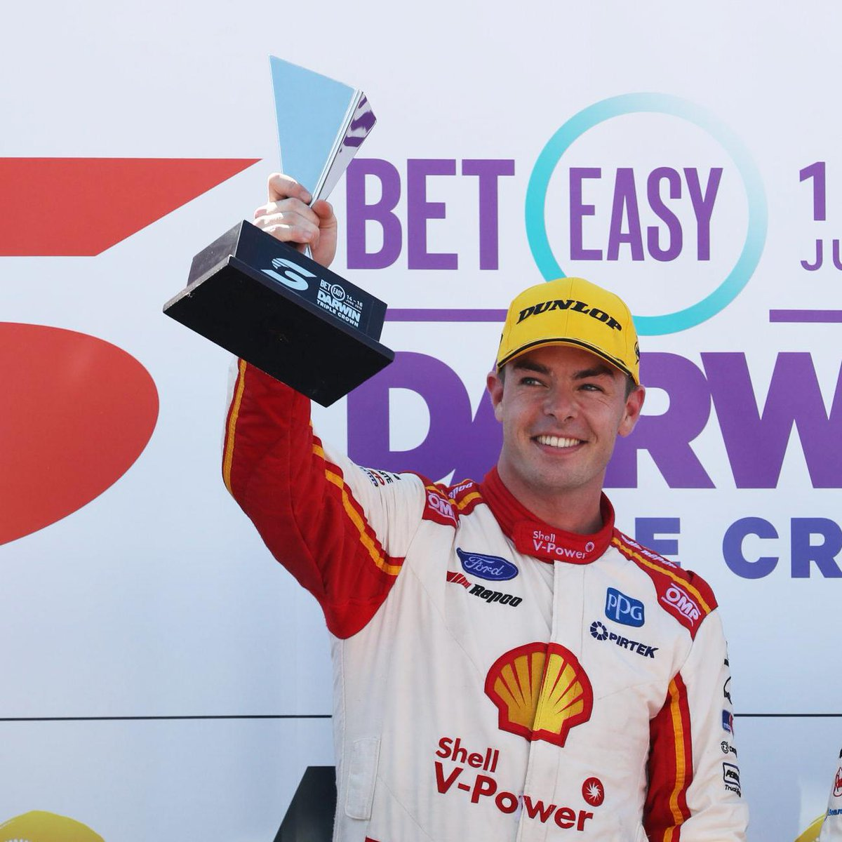 👑👑👑🏆  It was the most-elusive Supercars prize but after his 12th trip to @VirginAustralia Victory Lane, @smclaughlin93 claims the Triple Crown. #VASC