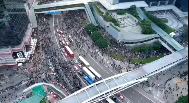 #extraditionbill #HongKongProtest もうほとんどクルマは動いていません…デモからオキュパイに移行か?
