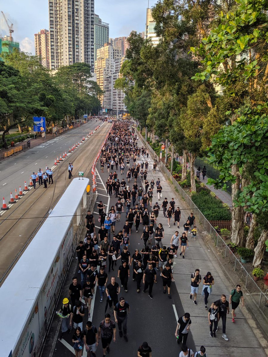 #LIVE: While Victoria Park has mostly cleared out, the end of the march is still nowhere in sight, as the crowd continues to pour in from Tin Hau http://sc.mp/66yx  #extraditionbill
