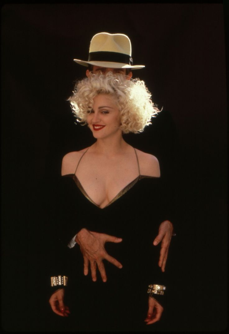 A surprising number of people on my feed are talking about Dick Tracy today so its as good a time as any to remember that Madonna is legitimately great in that movie as IRL Jessica Rabbit but with Sondheim songs!