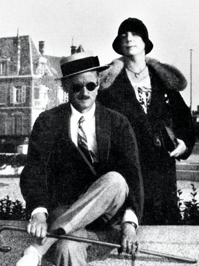 """It's Bloomsday, the day in 1904 when James Joyce """"began a relationship"""" with his future wife Nora Barnacle. Actually, he'd met her on June 10, but something special (!) happened on June 16. And, of course, it's on this day that action of Ulysses takes place."""