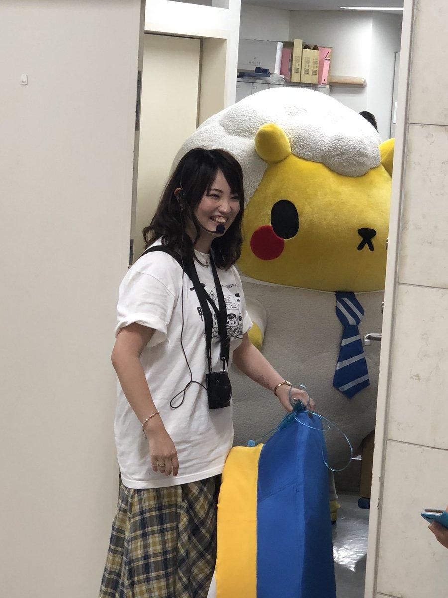 ジンギスカンのジンくん。うーしゃんは東京でのアテンドがラストday。 ブレてるのも多いのですが記念に。  今日は東京駅に元アテンドのコニティーしゃん&はしさんファミリー登場、札幌はギスくんのお散歩のアテンドでぐっさん復活というすごい日でした…