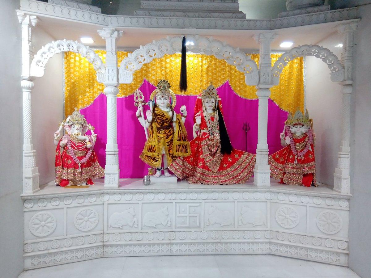 Newly renovated temple at  Naveen mandi, #Meerut . #Nageshwar mandir.   Bam bam bhole.. @SanskarOfficial