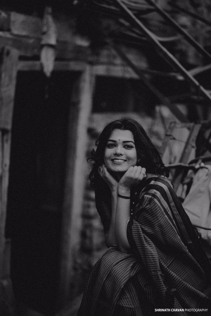 Saee Pune , 2019 . . Book your shoot 📲 9420005224 . . . #girl #portrait #portaitphotography #iamnikon #portraitphotographer #fashionphotography #portraiture  #fashion #modeling   #portrait_vision #monochrome #grains #discoverportrait #india #ootd #shrinathchavanphotography #📷