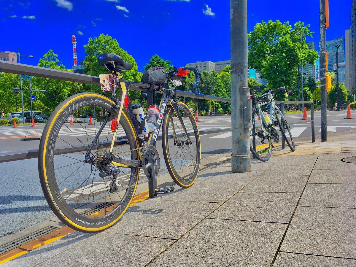 パレサイ走ってきましたღゝ◡╹)ノ♡ペダルをスワントのフラペニしたよ〜 #DE ROSA #サイクリング #ロードバイク #デローザ  #自転車 #エアロロード #SK #FFWD https://t.co/bZ1LPbS5WF