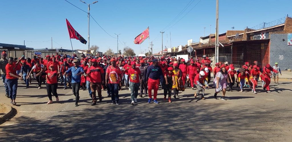 #EFFJUNE16 EFF Regional programmes to commemorate and reinvigorate the fighting spirit of the mostly dejected and unemployed youth across Gauteng's major townships... WELL DONE to Johannesburg , Ekurhuleni and Tshwane for their successful programmes on YOUTH DAY. <br>http://pic.twitter.com/1gAifYpOyB