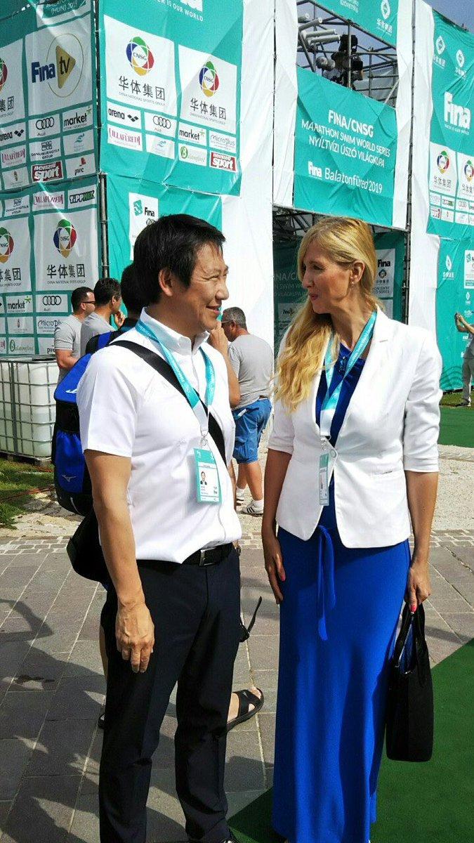 #FINA #OWS #openwaterswimming #hungary #balaton #スポーツ大臣 #サボー大臣(バルセロナ五輪100背泳メダリスト🏅 )が挨拶に来てくれました。 当日は暑くてスタート時に水温27℃。東京大会は???