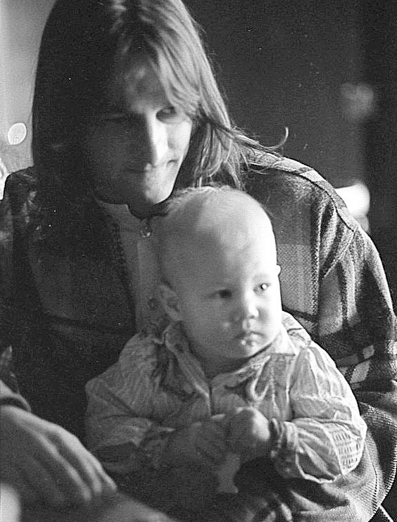 Happy Father's Day to all the rockin' dads out there! Here is Gene Clark with his eldest son Kelly in 1972  #GetGeneIn #GetGeneIn #SHoF #singersongwriter #folkrock #countryrock #classicrock #TheByrds #dillardandclark #NoOther #FathersDay  #dadswhorock<br>http://pic.twitter.com/LnM1kdh0V0