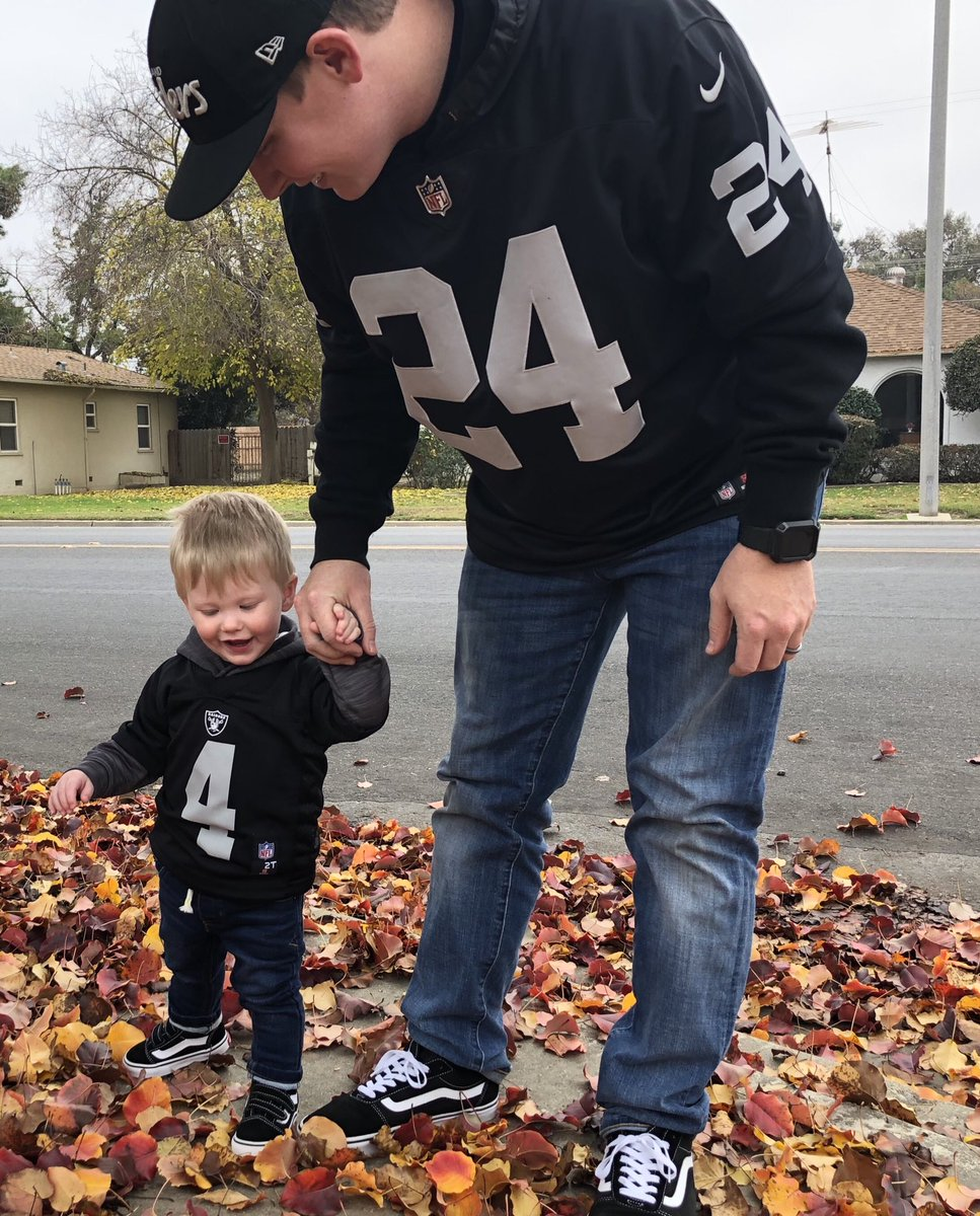 Happy Fathers Day to the dads raising their children right! #RaiderNation #StartEmYoung<br>http://pic.twitter.com/Qp8a6zYoSm