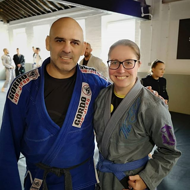 A great seminar this morning with @gordobjj - lots of concepts and technical tweaks to the half guard. Thanks to @stealthbjj for letting me come along.  #learningday #bjj #BJJwomen #bjjminion #halfguard #guardretention #sweeps #oldschoolisthenewschool http://bit.ly/2ZtK9wC