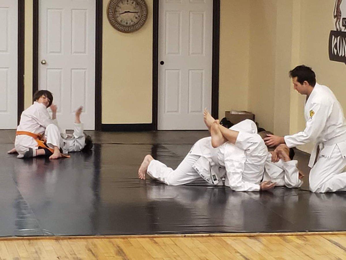 Thank you Justin Grieve. Justin has been teaching ju jitsu to the children since Terry broke his foot. #brazilianJiujitsu #BJJ #GoldenTiger #gymfamily #Teammates #athletes #hanover #SundayFunday