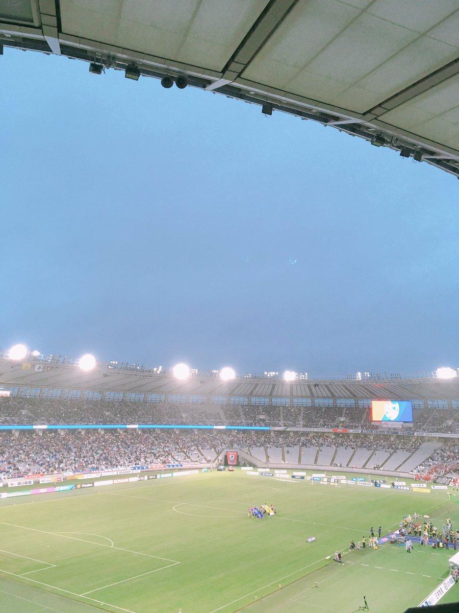 昨日FC東京サポーターの父とサッカー観戦をしに、味の素スタジアムへ行ってきました(*'▽'*)久々で大興奮!ドロンパ君には会えなかったー!