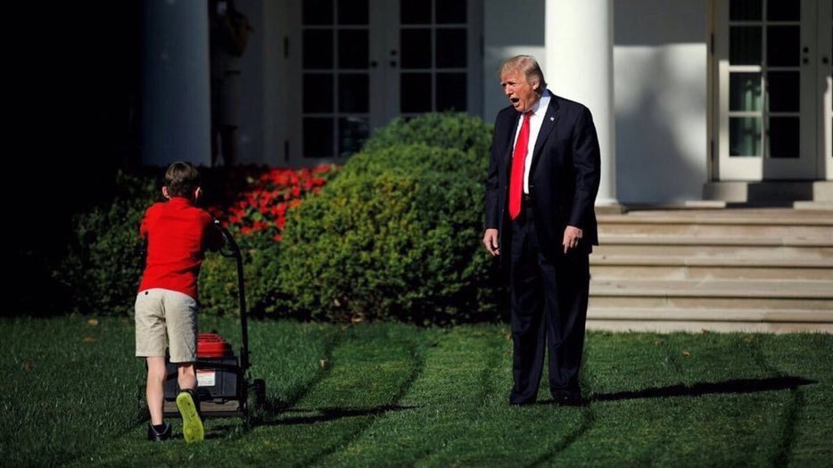 """""""Have you seen Barron?? I'm waiting for my gift. Best Dad ever!"""" <br>http://pic.twitter.com/SNKW7fi37T"""