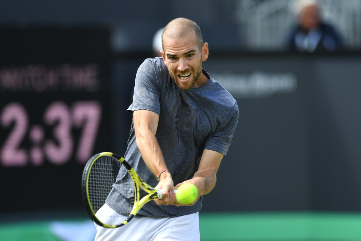 MANNARINO'S MOMENT   In his seventh #ATPTour final, @AdrianMannarino claims his first title with 7-6(7), 6-3 win over Thompson    @LibemaOpen<br>http://pic.twitter.com/Gn1IPasmS8