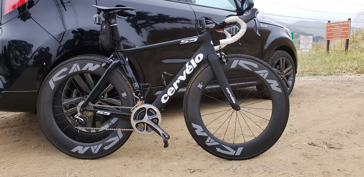 Sexy! @icancarbon @icancycling @UKCycleChat @gcntweet @BicyclingMag #cycling #roadie
