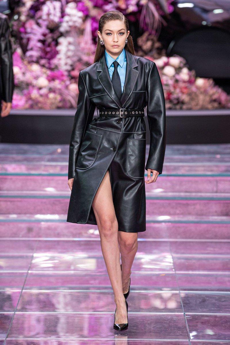 RT @FashionweekNYC: Gigi Hadid, Bella Hadid & Irina Shayk walking the @Versace Men's Spring 2020 Runway https://t.co/qMO04MqKrP