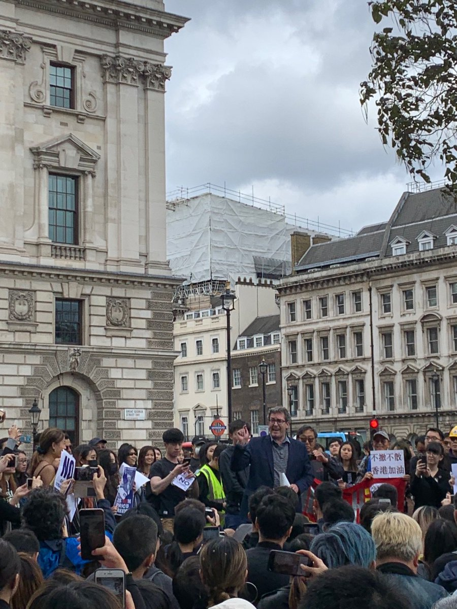 .@benedictrogers speaking at the Parliament Square #antiELAB #NoToChinaExtradition protest in the UK