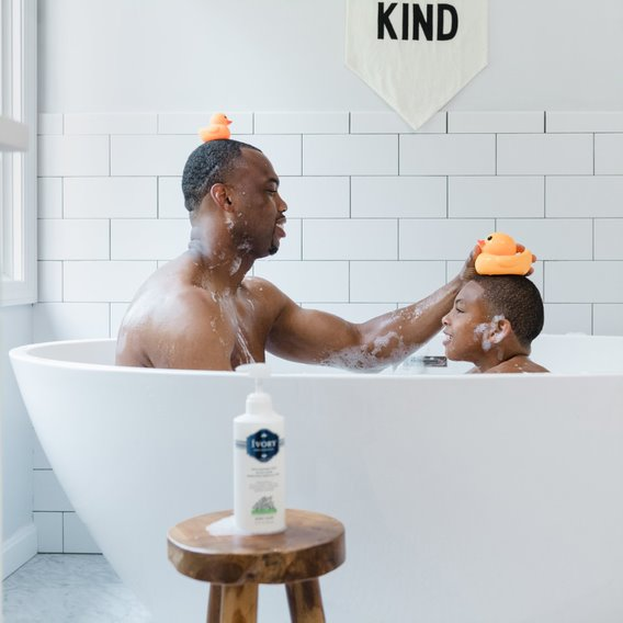Now that's what we call a balancing act! Thank you to all the fathers who do their own version of a balancing act every day. Give your father figure a big hug to say thank you today! Happy Father's Day! #fathersday #ivorysoap #bubbles #rubberducky https://t.co/IZuw4tLtD6