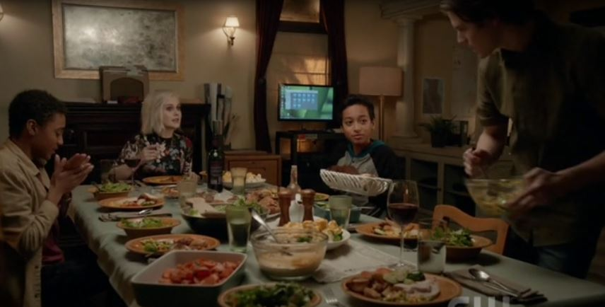 the dinner scene was so cute so happy Major and Liv can count on each other after a bad day.Those looks can they adopt the zombie kids and be the family they always wanted to have? @imrosemciver @robertbuckley  #iZombie @CWiZombie<br>http://pic.twitter.com/yoSrlBzGNb
