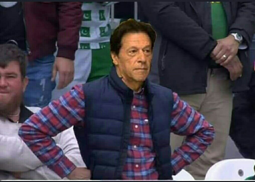 Imran khan: In the high pressure match you should bat first.#SarfarazAhmed: We will bowl first.Imran khan: