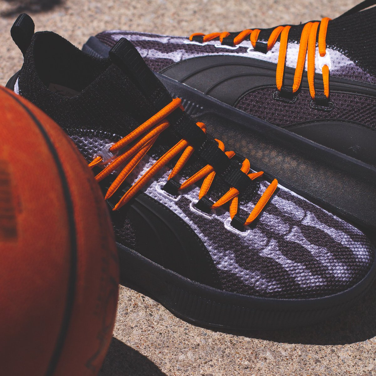 """separation shoes 905dc e642d Puma Clyde Court """"HW""""! Featuring Halloween skeleton vibes ..."""