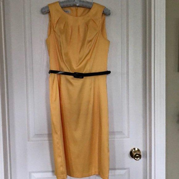 So good I had to share! Check out all the items I'm loving on @Poshmarkapp #poshmark #fashion #style #shopmycloset #dressbarn #clarks #bananarepublic: https://t.co/5JtUPq8q5S https://t.co/H6BXcQVux7