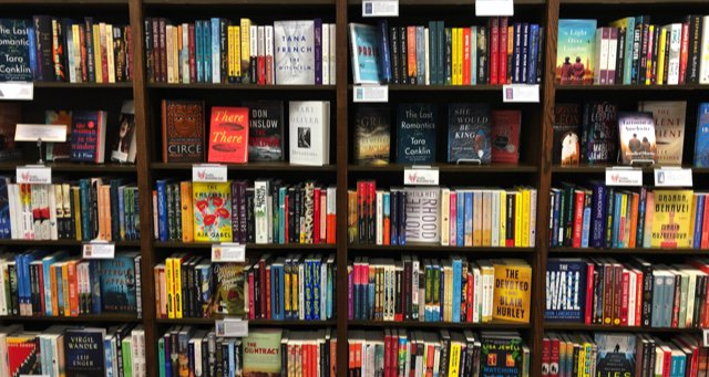 This Rioter keeps up with the indie bookstore scenes in places she used to call home ow.ly/MZXS50uFcGx