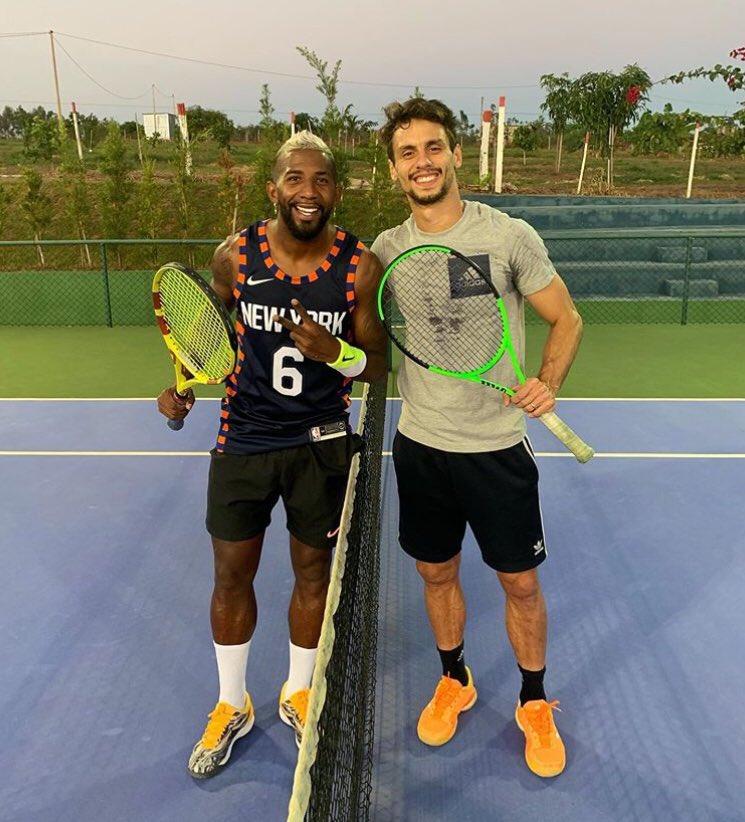 RT @FlaGalaxy: Rodinei e Rodrigo Caio aproveitaram o dia para jogar Tênis. 🏸 https://t.co/db9Cc9ht7c