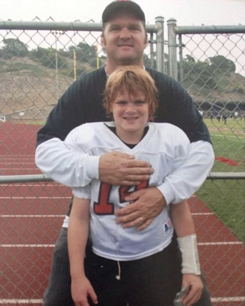 A young  with his Father.   Happy Father's Day #TakeFlight <br>http://pic.twitter.com/1NHQl8Wb9n