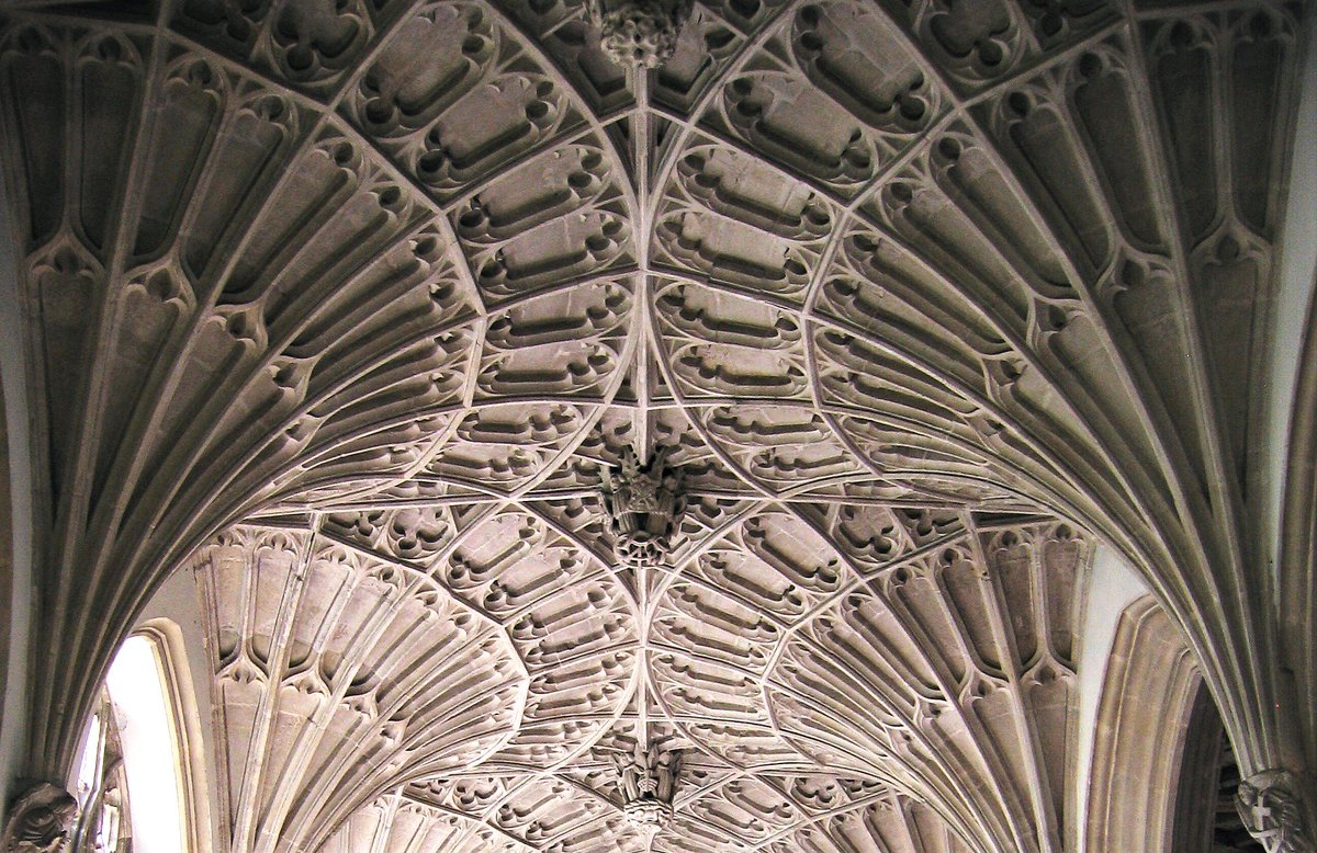 Cullompton #Devon Outer South aisle begun by wealthy cloth merchant John Lane c.1526. Fan vaulting inspired by the Dorset aisle at Ottery St Mary. <br>http://pic.twitter.com/1oMJ86rKBv