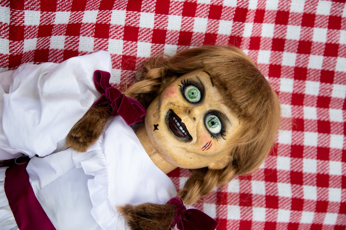 Imagine you + Annabelle on a date anywhere in T.O.! Where are you headed: Sugar Beach tan sesh or High Park picnic? #HavocTourCanada #AnnabelleComesHome in 10 days!